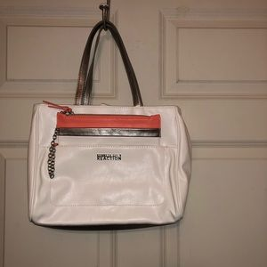 Kenneth Cole Reaction Bags - Kenneth Cole Reaction off-white purse w/wristlet
